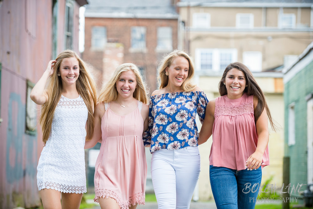 Madison_DowntownFredericksburg_SeniorSession-13.jpg