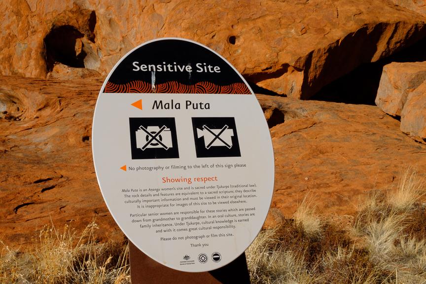 Uluru-6885.jpg