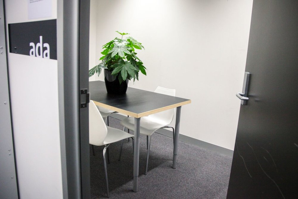 ADA - Capacity: 4Features: Casual meeting room perfect for video calls or informal meetings
