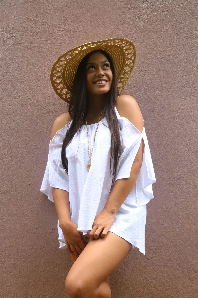 Pair your cold-shoulder top with a wide brim hat for a day at the beach!