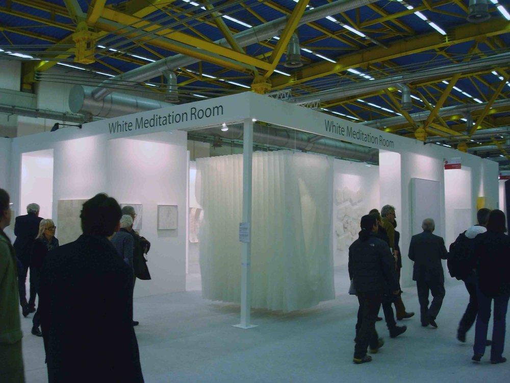 Stand White meditaion room ad artefiera2011_visto dall'esterno.jpg