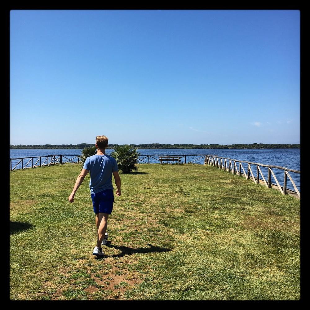 Passeggiando al Lago