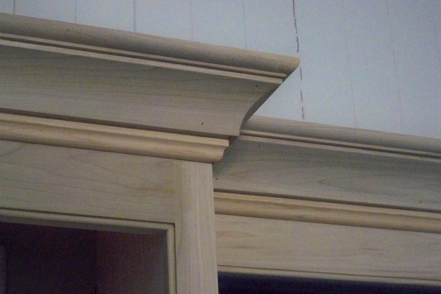 crown moulding detail 1.jpg