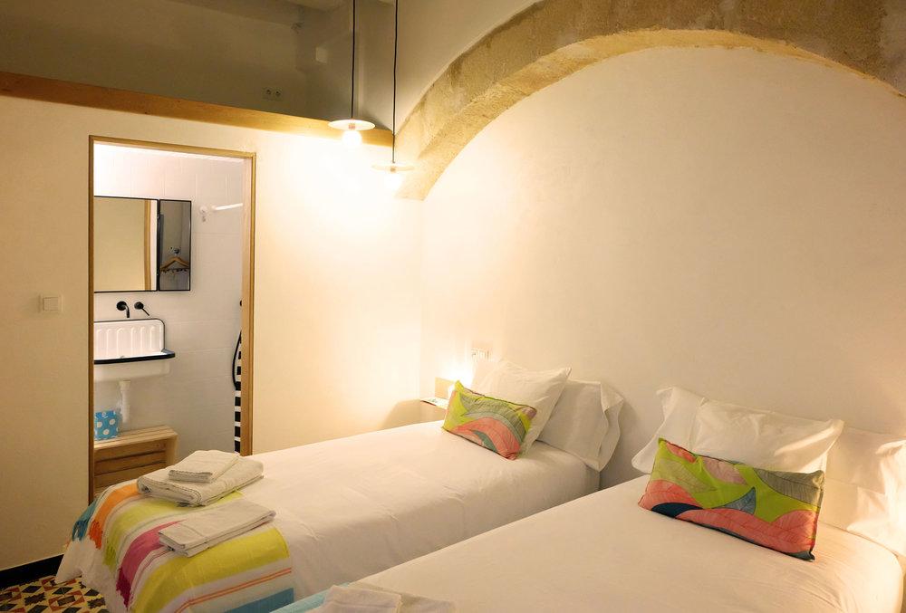 Hotel-Casa-de-Huespedes-Santa-Maria-Habitacion-2-5.jpg