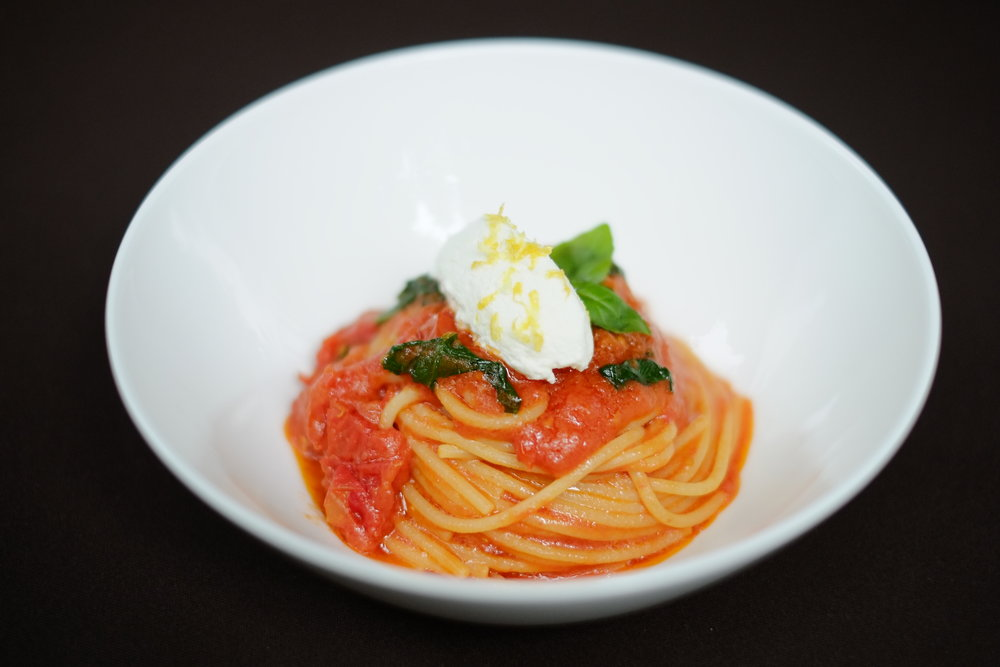 The perfect Spaghetti Pomodoro at the Bulgari hotel