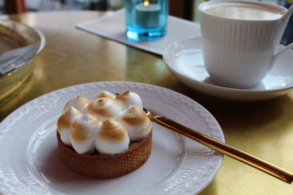 Lemon meringue tart at Cakenhagen, Tivoli Gardens