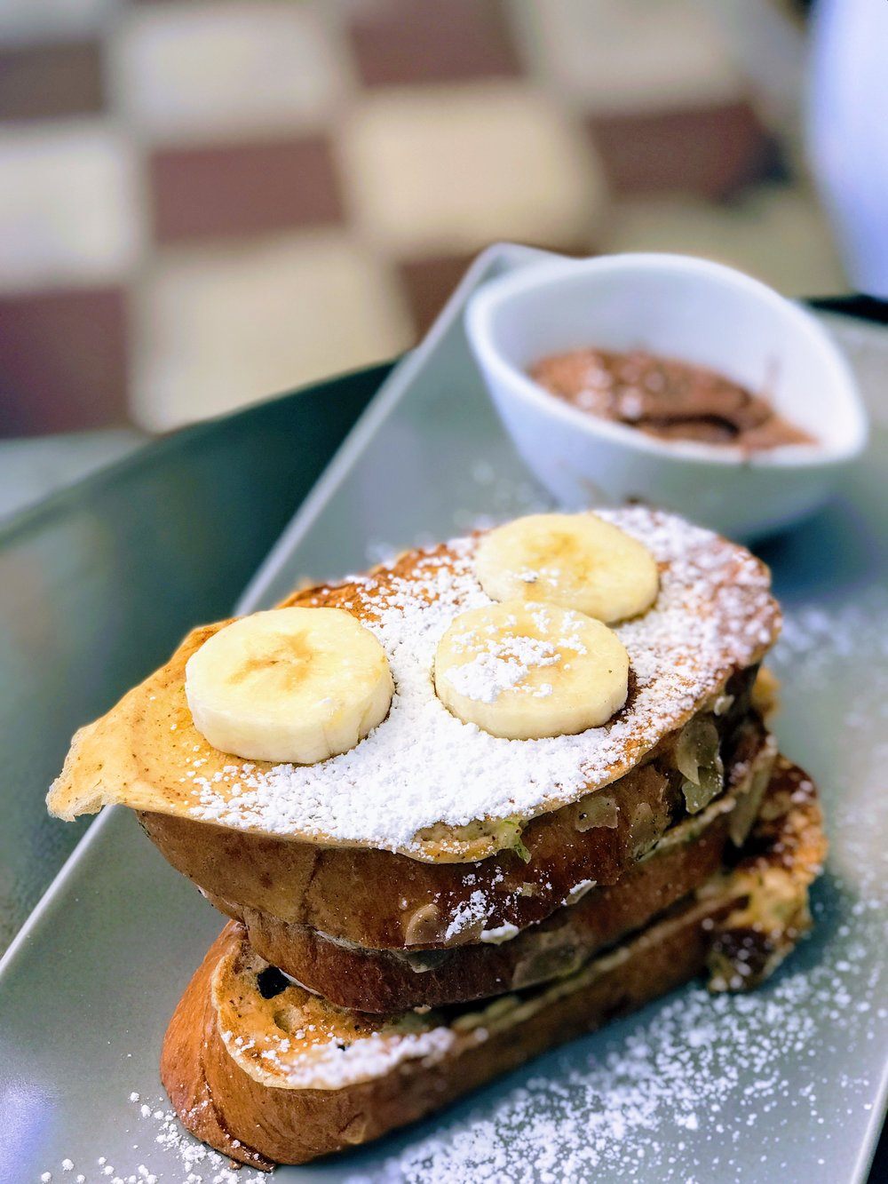 French toast with banana and praline spread