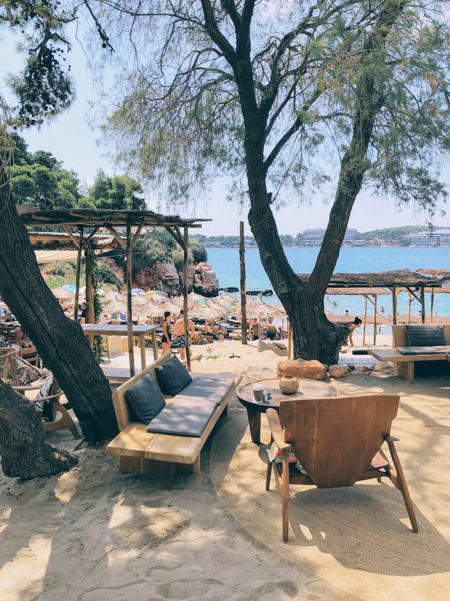 Krabo beach, Athens
