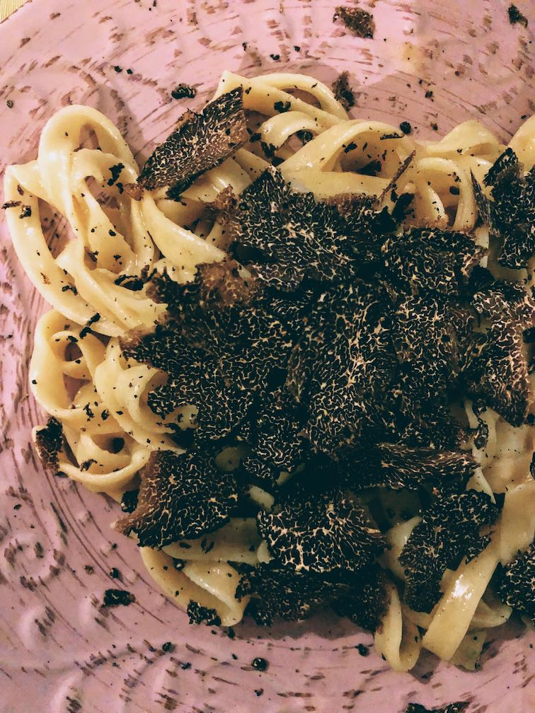 Fettuccine with butter and black truffle shavings