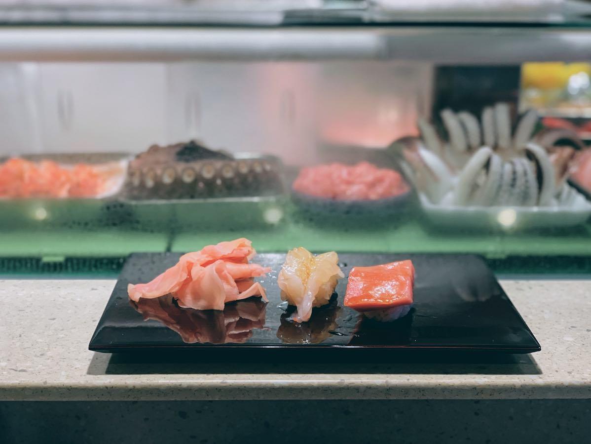 Tokyo: fresh sushi from Toyosu Market at Daiwa Sushi — Travel Food