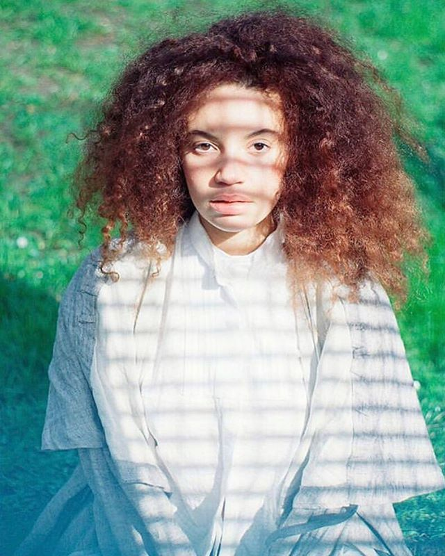 CATCH THE SUN 🧚🏽‍♀️ Lara @lara_never_laura shot of film by Matthew @matthew_willcocks for Sustainable Fashion Journal @sustainablefashionjournal wearing Ash Cape #polosophia #theoriginalprotagonist #sustainablefashionjournal