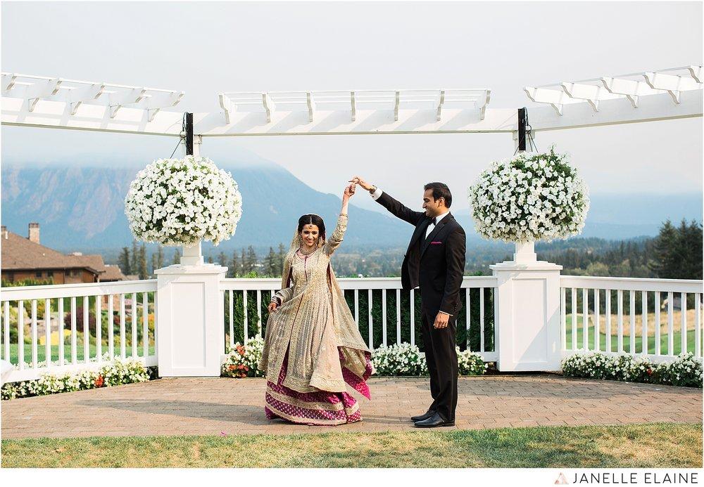 janelle elaine photography-the club at snoqualmie ridge-washington-wedding-photography-portraits-51.jpg