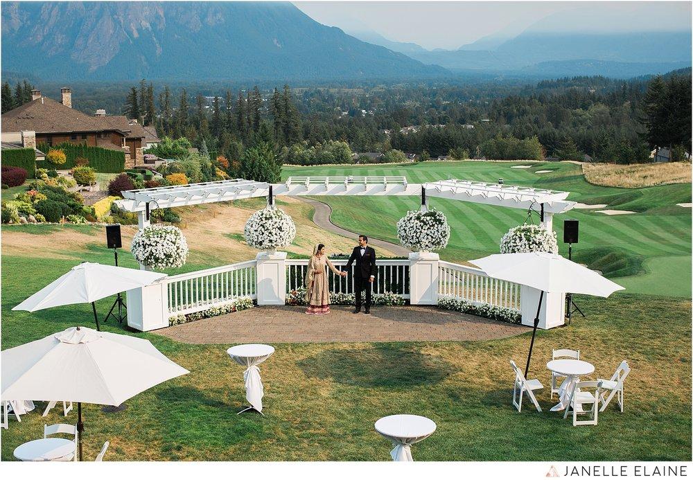 janelle elaine photography-the club at snoqualmie ridge-washington-wedding-photography-portraits-60.jpg