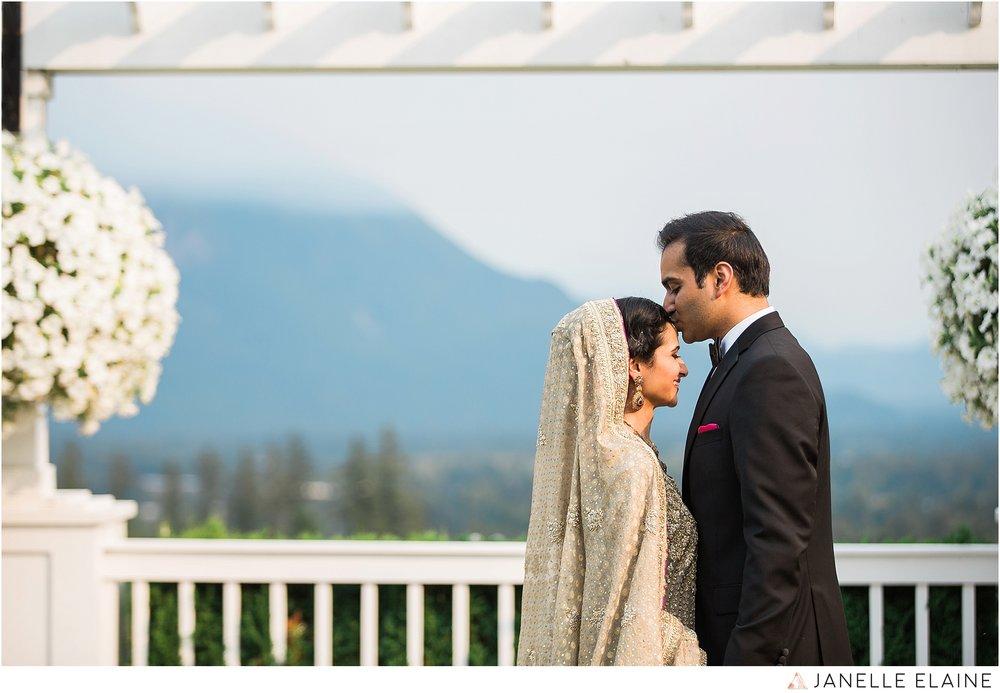 janelle elaine photography-the club at snoqualmie ridge-washington-wedding-photography-portraits-127.jpg