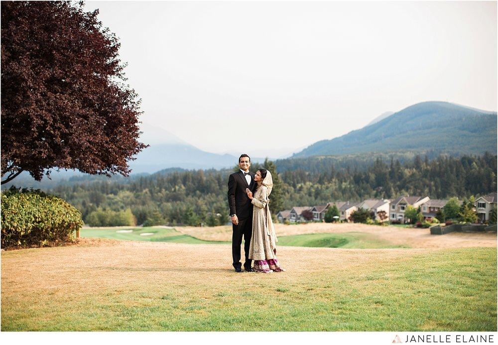 1-janelle elaine photography-the club at snoqualmie ridge-washington-wedding-photography-portraits-1-2.jpg