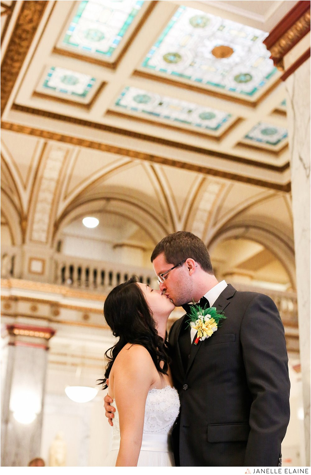 janelle elaine photography-professional wedding photographer seattle--77.jpg
