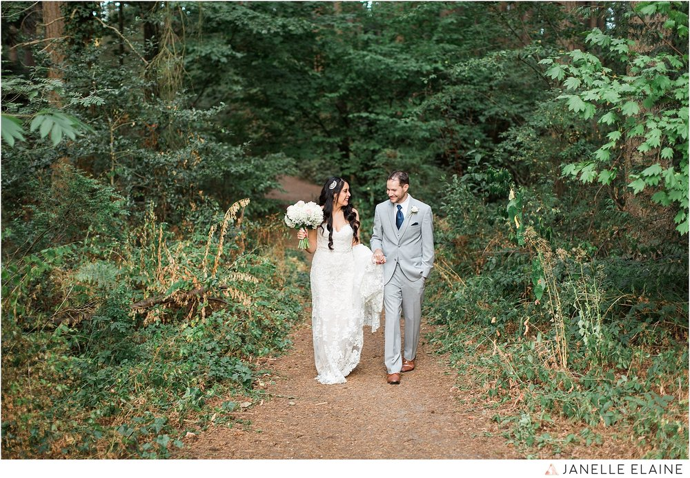 janelle elaine photography-professional wedding photographer-seattle-bellevue-robinswood house-205.jpg