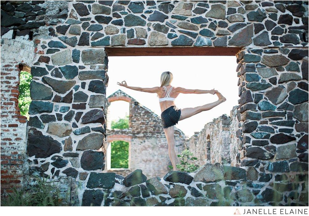 tasha yoga portrait-janelle elaine photography-upper mi-2.jpg