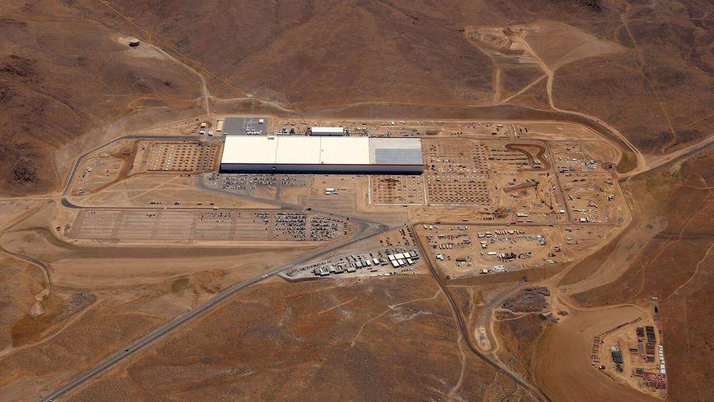 Photo of construction on the Gigafactory courtesy of Quartz.com.