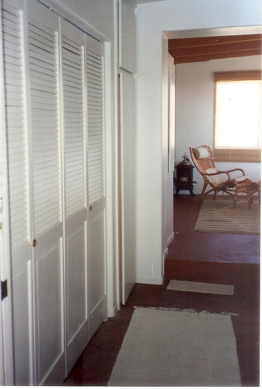 016-1980-bedroomtall.jpg