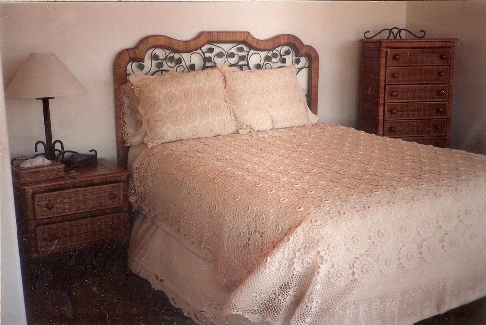 019-1980-bedroom.jpg