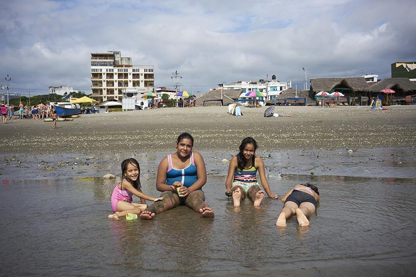 Beach_GirlsW.jpg