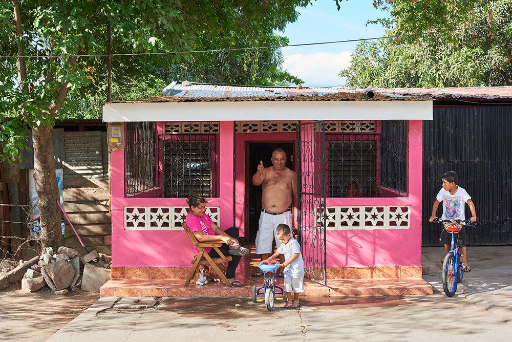 22_Pink_House_Sabaneta_Nicaragua-web.jpg