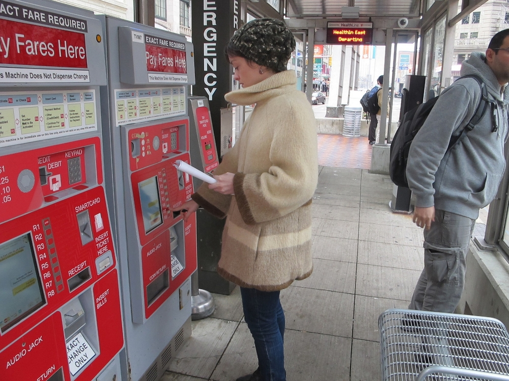 Cleveland's Healthline: prepaid fare & real time information