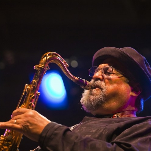Joe Lovano - Today, Joe and Judi live in the Hudson River Valley area of upstate New York. Although he's busy touring and recording, Joe is an avid swimmer and somehow still finds the time for an occasional 18 holes of golf.When he's home, Joe Lovano enjoys landscaping, a good match for Judi's love of gardening. Together, when not making music, they explore the forest that surrounds them, stay busy enjoying their extended families in Cleveland and New York.WEBSITE: joelovano.com