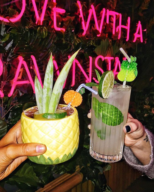 Make me a cocktail with mezcal and I'm yours 🤤💍🍹#PRAWNSTAR @hana_melb