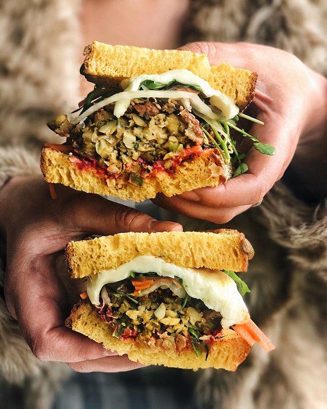 Pumpkin bread and falafel vegetarian wet dream 👍🏼 @staple3182