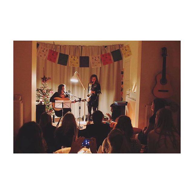 Concert in my living room 🎅🏼 🎵 #musicforlife #stubru