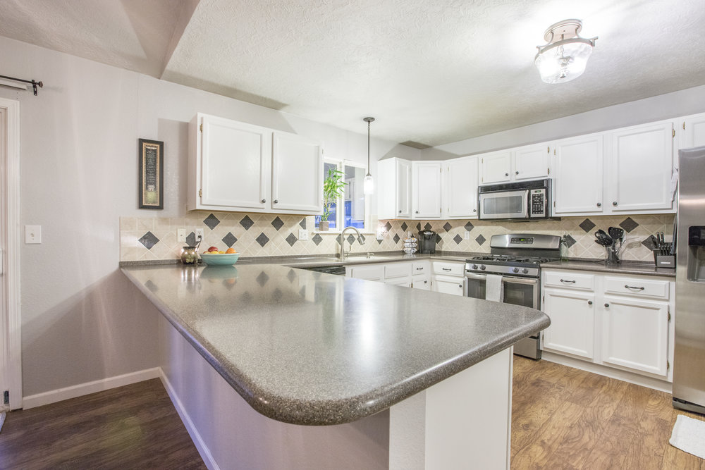 4946W2ndSt-LARGE-16.jpg