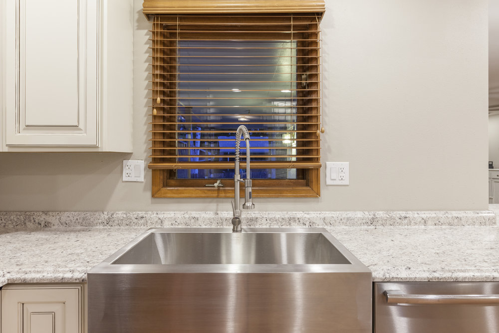 Beautiful Sink and Fixtures