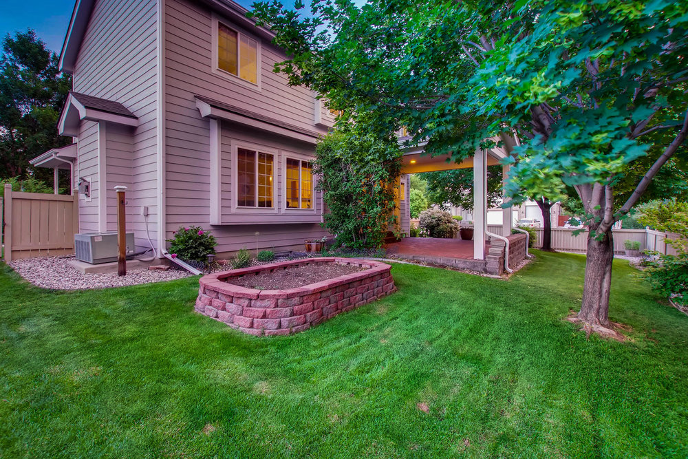 Mature Shade Trees & Landscaping