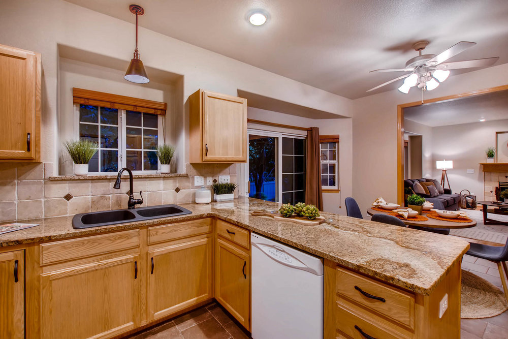 1694 Seven Lakes Dr Loveland-MLS_Size-015-19-Kitchen-1800x1200-72dpi.jpg