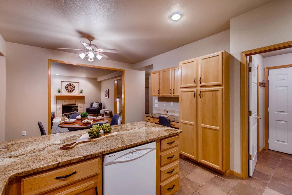 1694 Seven Lakes Dr Loveland-MLS_Size-016-17-Kitchen-1800x1200-72dpi.jpg