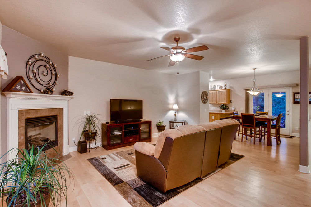 3119 57th Ave Greeley CO 80634-005-42-Living Room-MLS_Size.jpg