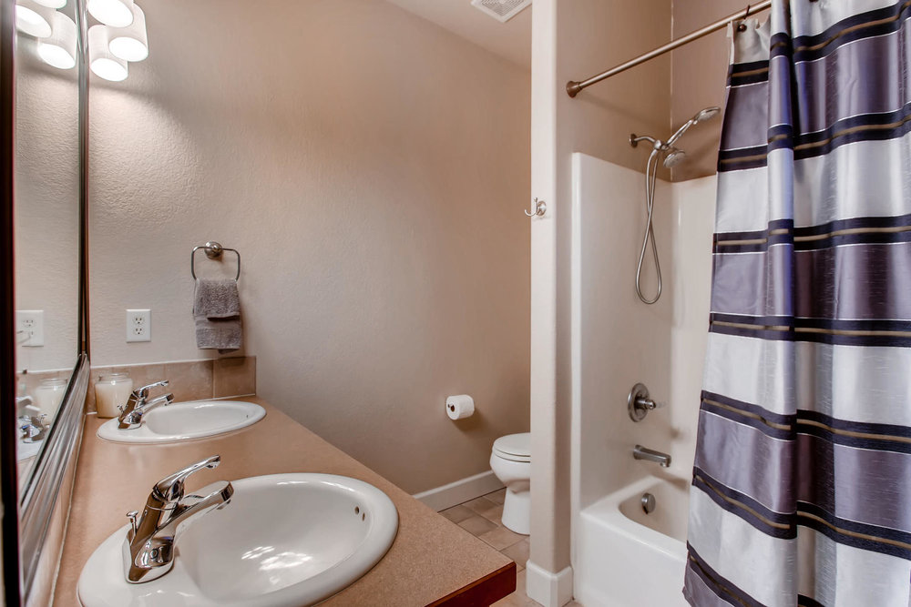 3119 57th Ave Greeley CO 80634-018-11-Master Bathroom-MLS_Size.jpg