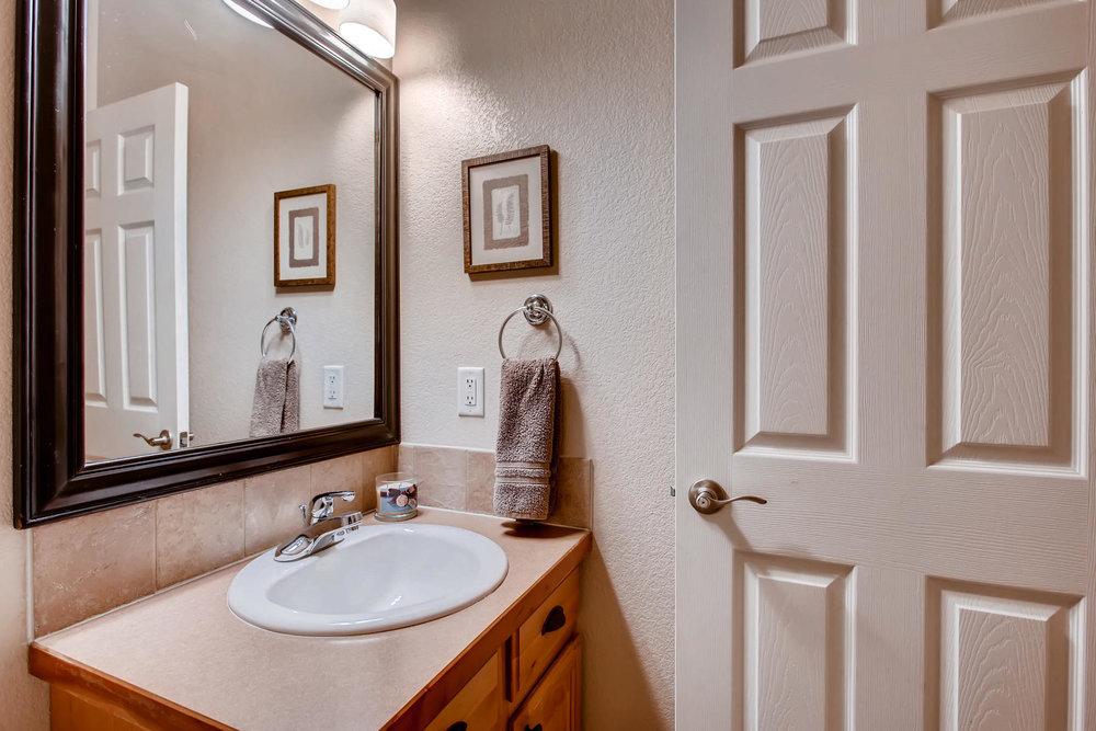 3119 57th Ave Greeley CO 80634-021-19-Bathroom-MLS_Size.jpg