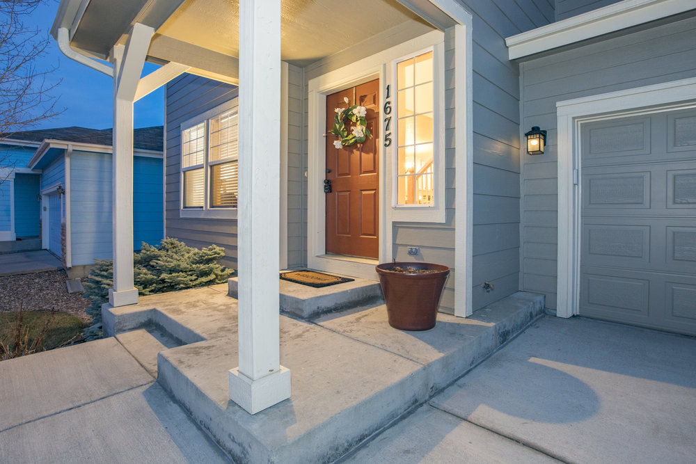 Gorgeous Curb Appeal w/ Fresh Paint!