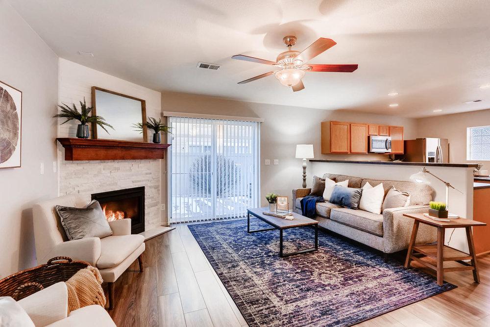 3925 Beechwood Ln Johnstown CO-008-16-Living Room-MLS_Size.jpg