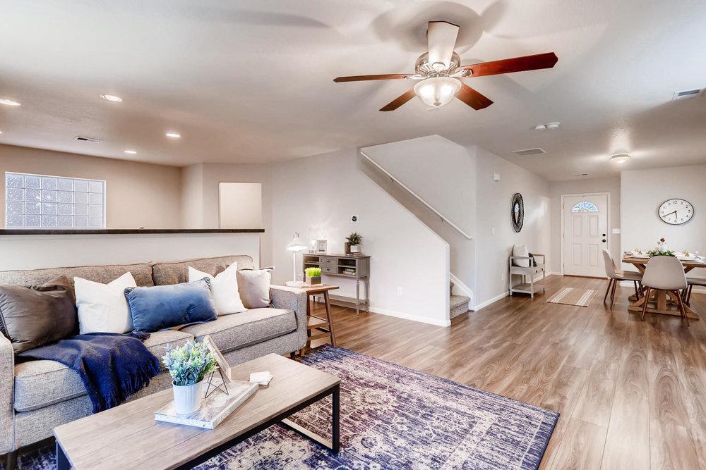 3925 Beechwood Ln Johnstown CO-009-7-Living Room-MLS_Size.jpg