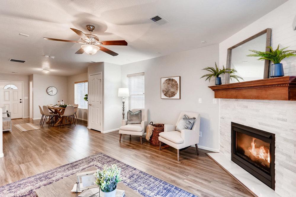 3925 Beechwood Ln Johnstown CO-010-11-Living Room-MLS_Size.jpg