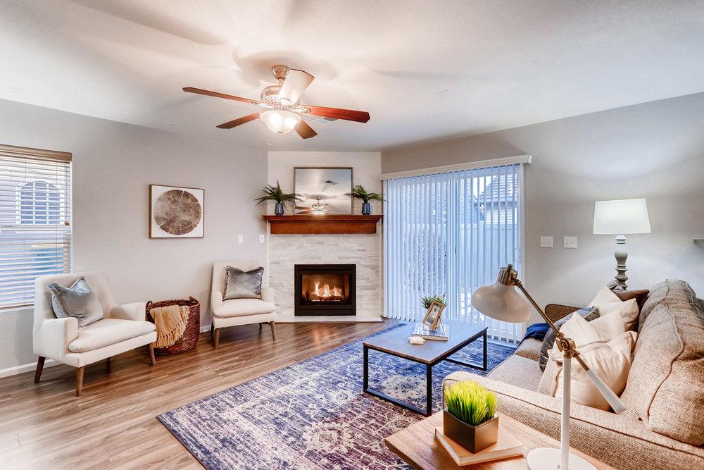 3925 Beechwood Ln Johnstown CO-011-27-Living Room-MLS_Size.jpg