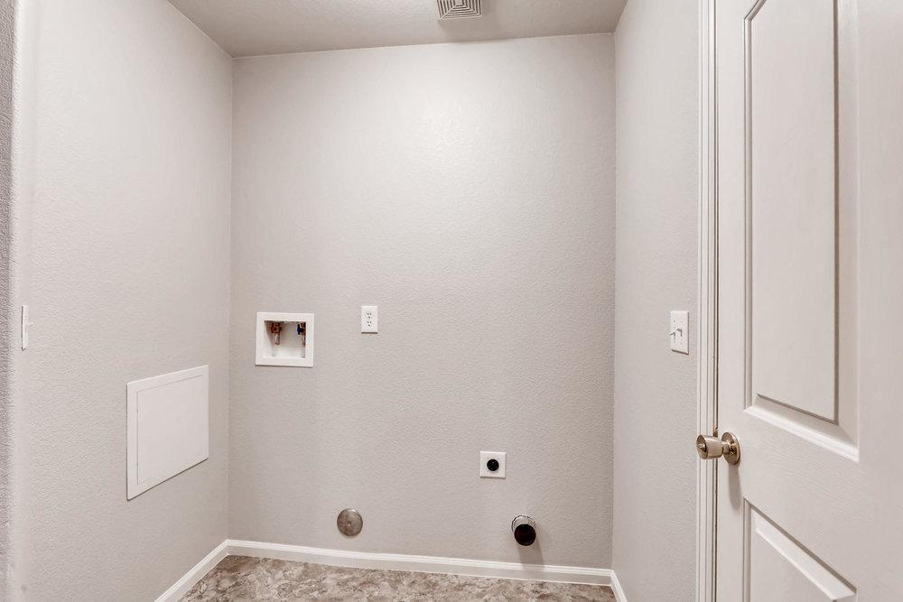 3925 Beechwood Ln Johnstown CO-034-29-Laundry Room-MLS_Size.jpg