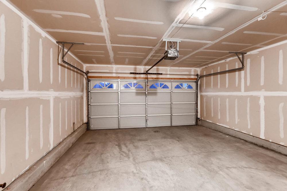 3925 Beechwood Ln Johnstown CO-033-20-2nd Floor Garage-MLS_Size.jpg