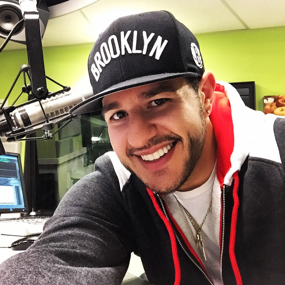LIVE IN PERSON   Z100/WHTZ-FM • NEW YORK    Photo opportunities and meet & greet     Saturday, May 18th 1:00 PM -3PM Location: 45 Main Street