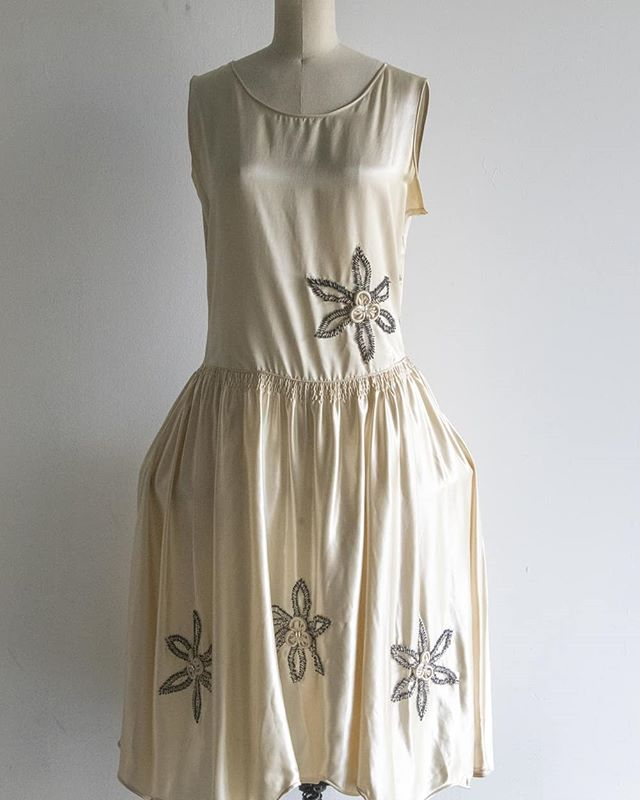 """1920s Robe de Style dress in amazing condition!  Bust 36""""  Waist 29""""  Some light stains to under arms and back (hard to see took best pictures I could). Asking $260 plus shipping.  #vintage #vintagestyle #vintageclothing #fashion #vintagesale #vintageshop #1920sdress #1920srobedestyle"""