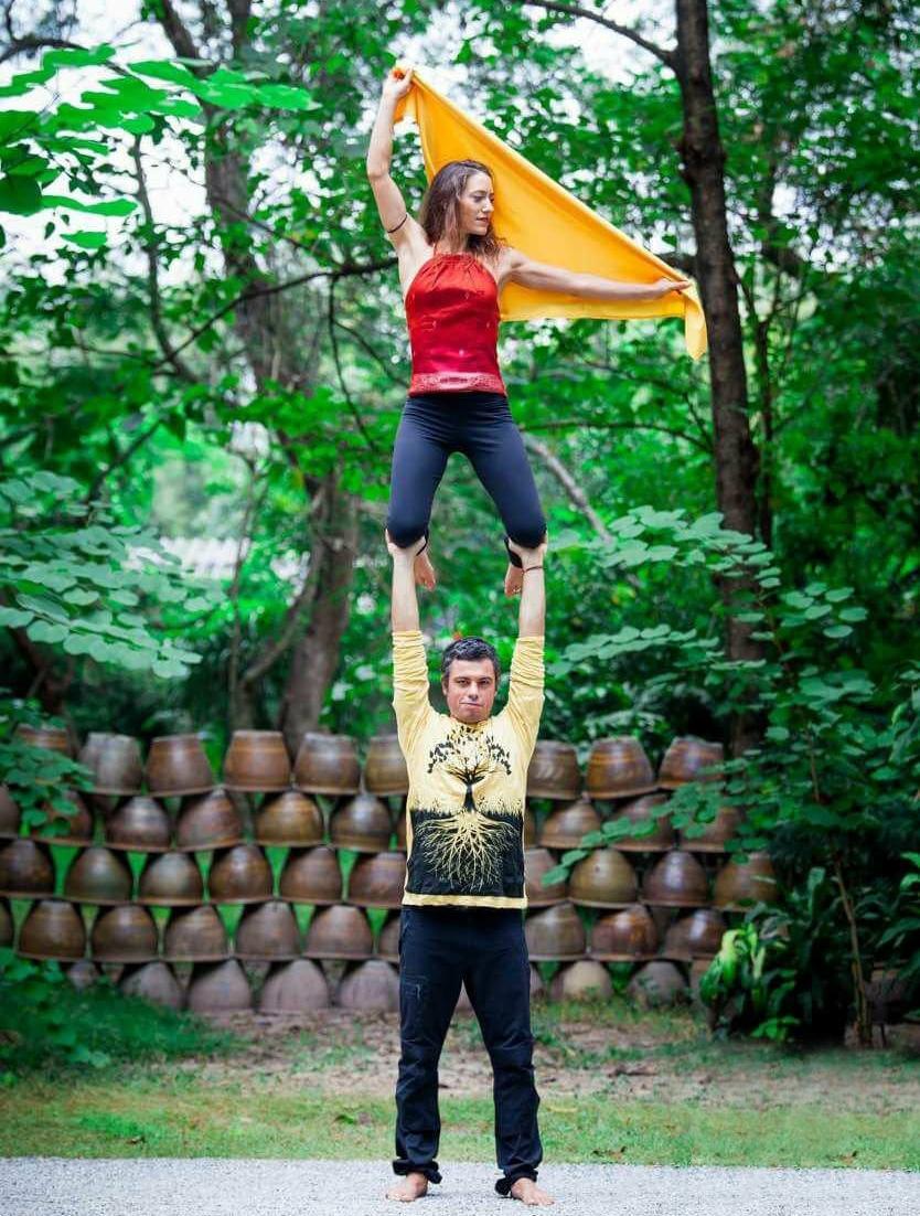 Acrobatic Yoga Sicily.jpg